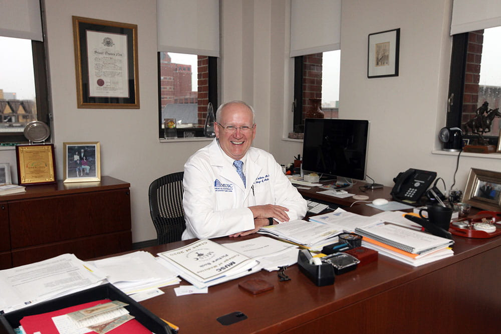 Dean honored with national cancer leadership award | MUSC