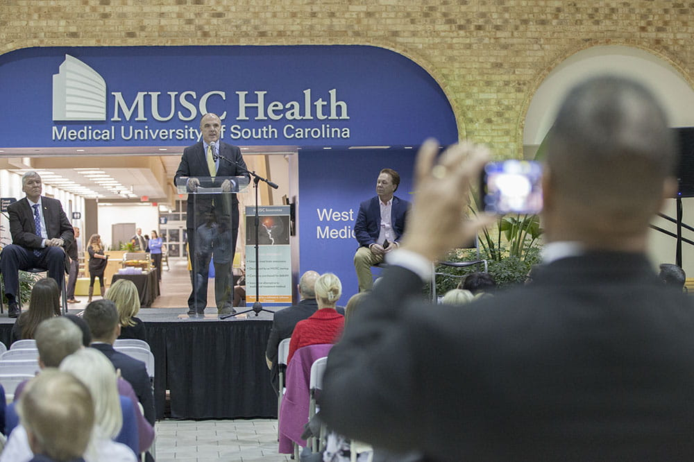 Thousands use new medical pavilion as leaders celebrate ...